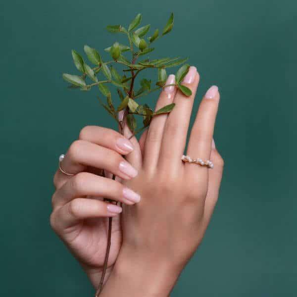 """""""Plant Power """" rastilnný posilnovač nechtov"""
